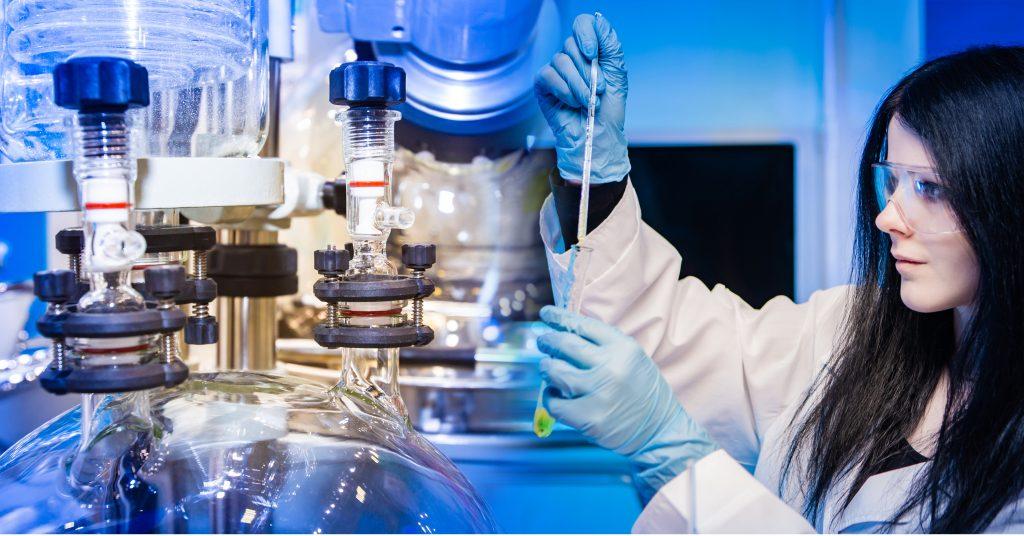 Sintesi chimica: reazioni di condensazione in vetro